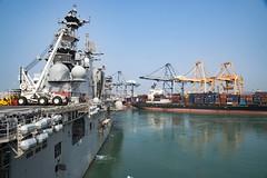 The amphibious assault ship USS Bonhomme Richard (LHD 6) departs Laem Chabang, Thailand, following a scheduled port visit. (U.S. Navy/MC2 William Sykes)