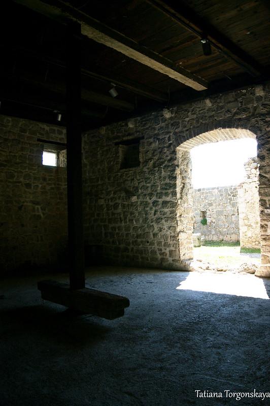 Внутри Епископского дворца