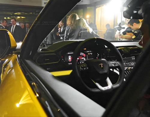 Lamborghini Urus 2018 SUV Paris