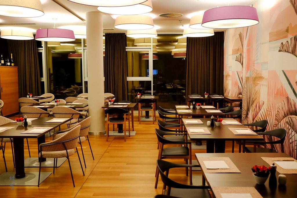 Bistro 35 restaurant