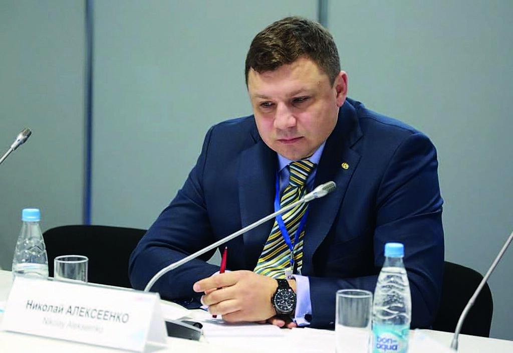 генеральный директор ООО «Геопроектизыскания» Николай Алексеенко. Кадры с мозгового штурма на КЭФ-2017