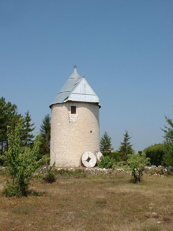 Castelnau-Montratier - Moulin à vent désailé sans nom