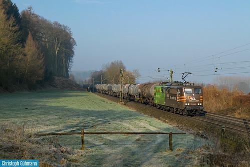 HSL 151 138 mit Kesselwagen