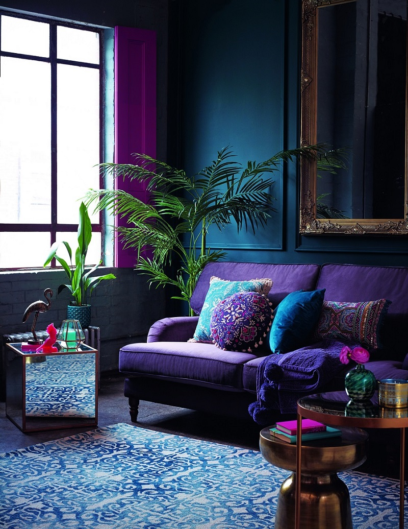 ultra violet decor decorating pantone color of the year 2018 purple velvet couch sofa blue printed rug