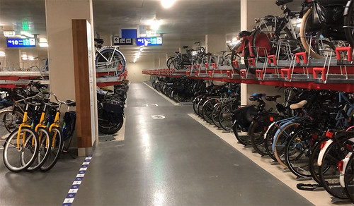 Maastricht train station bicycle parking