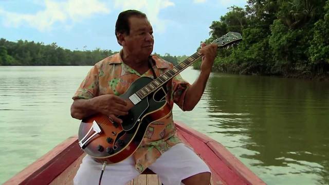 Joaquim de Lima Vieira, mais conhecido como Mestre Vieira, faleceu em Barcarena, cidade onde nasceu e aprendeu a tocar a guitarra - Créditos:  Documentário Coisa Maravilhosa / Divulgação