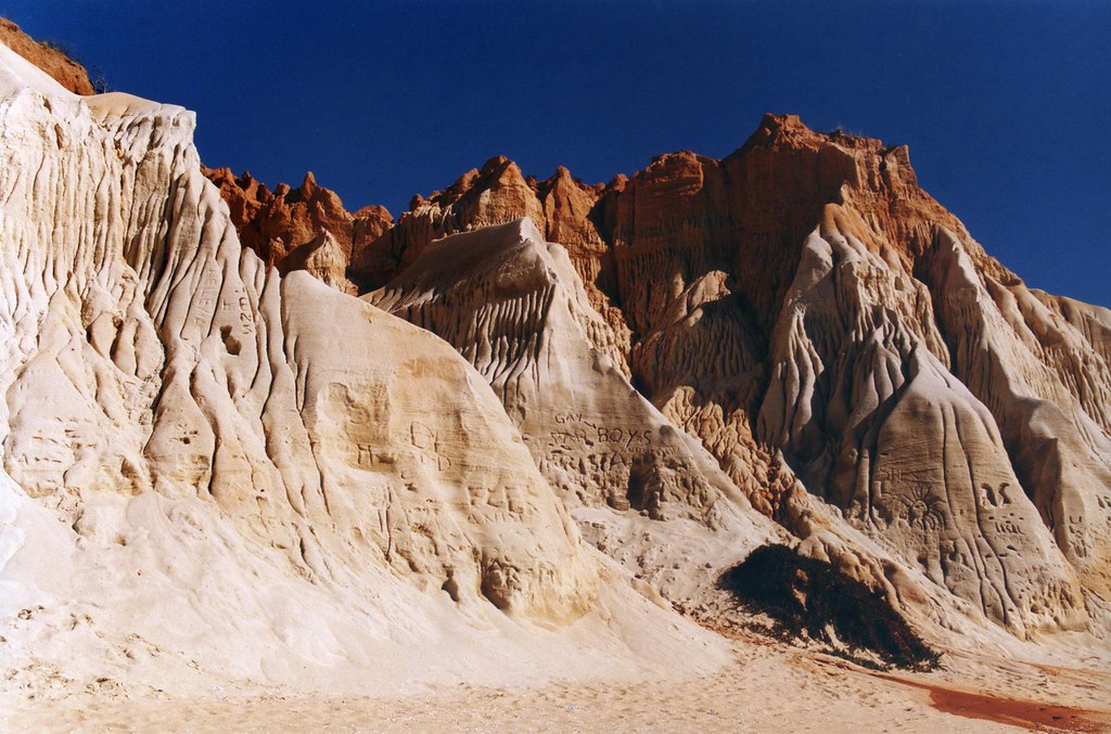 Ajuste morfológico nas arribas, Praia da Falésia (A. Pastor, 1998)