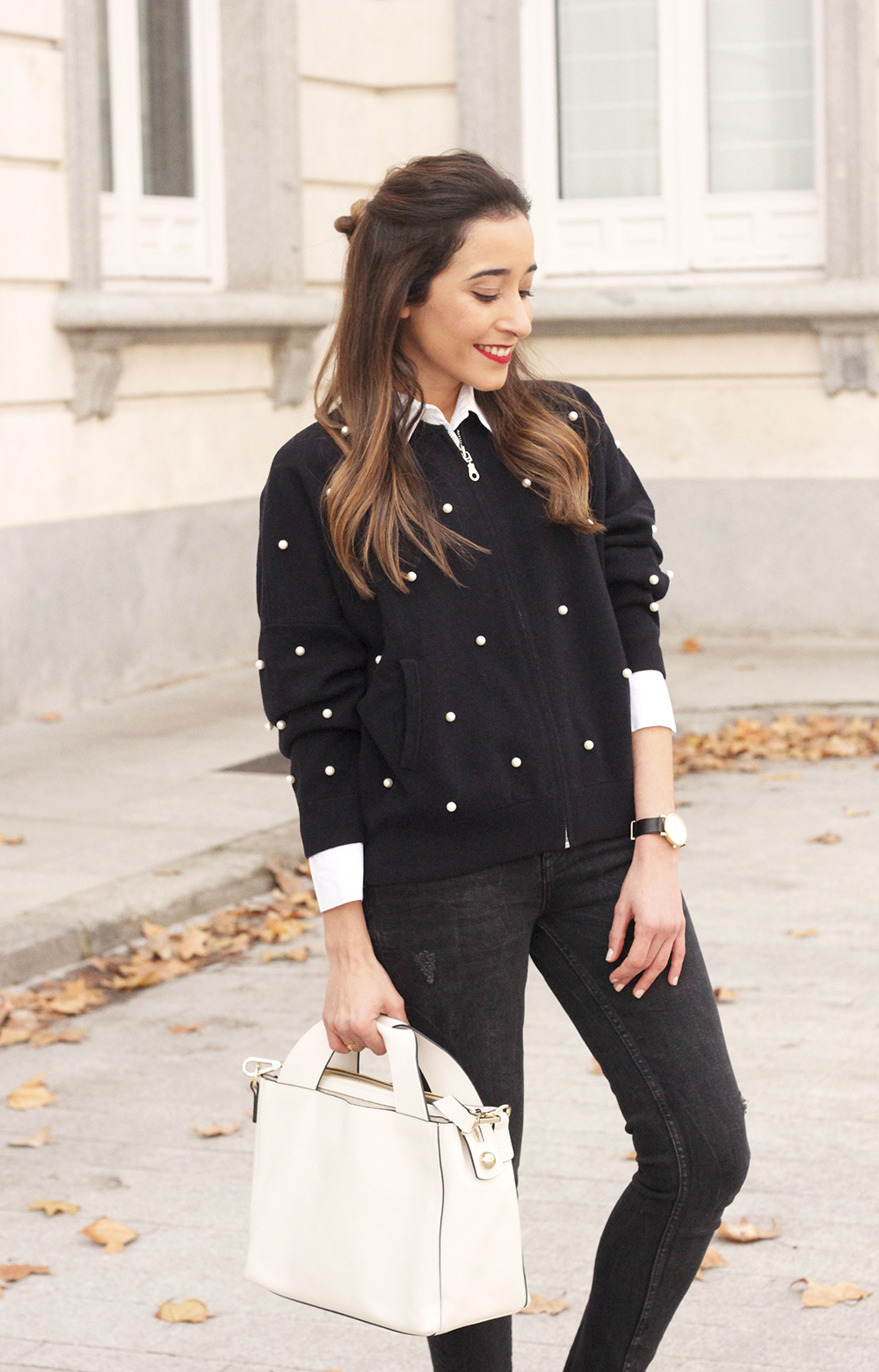 pearl bomber uterqüe black jeans white bag winter outfit 2018 style fashionbomber12