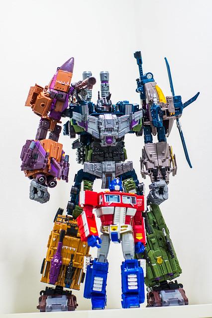 Bruticus VS Prime