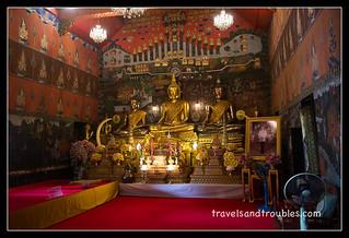 Boeddha's linker kamer
