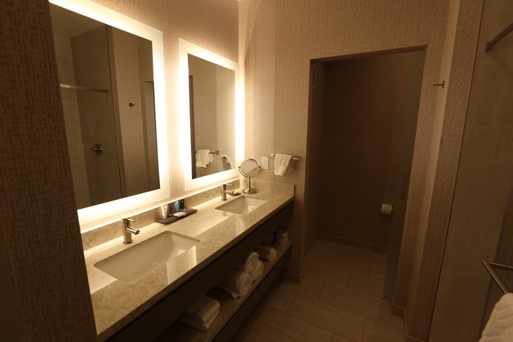 Hilton H Hotel LAX 15