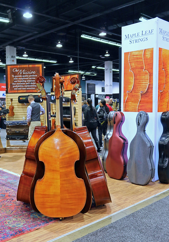 Double basses (2)