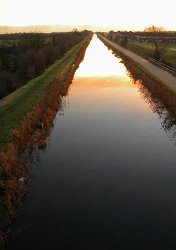 sunrise grand canal clondalkin r136 outerringroad grandcanal bridge road water dublin sky morning light ireland irish eíre february