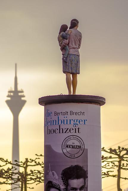 Die Litfaßsäule - Advertising Pillar