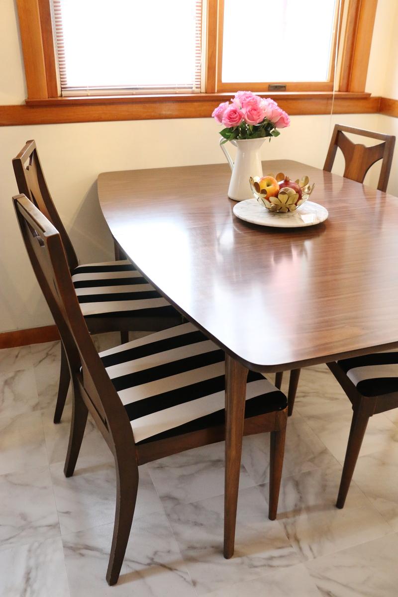 kitchen-nook-dining-set-pink-roses-7