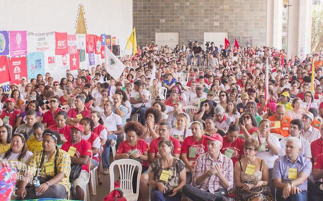 População poderá opinar sobre o futuro do Brasil em reuniões abertas