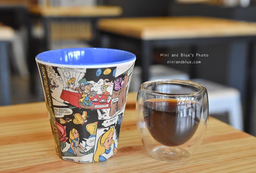 台中D.M cafe 青海路11