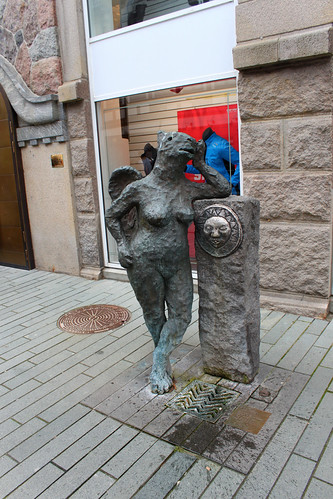 statue of woman with fountain in Vejle