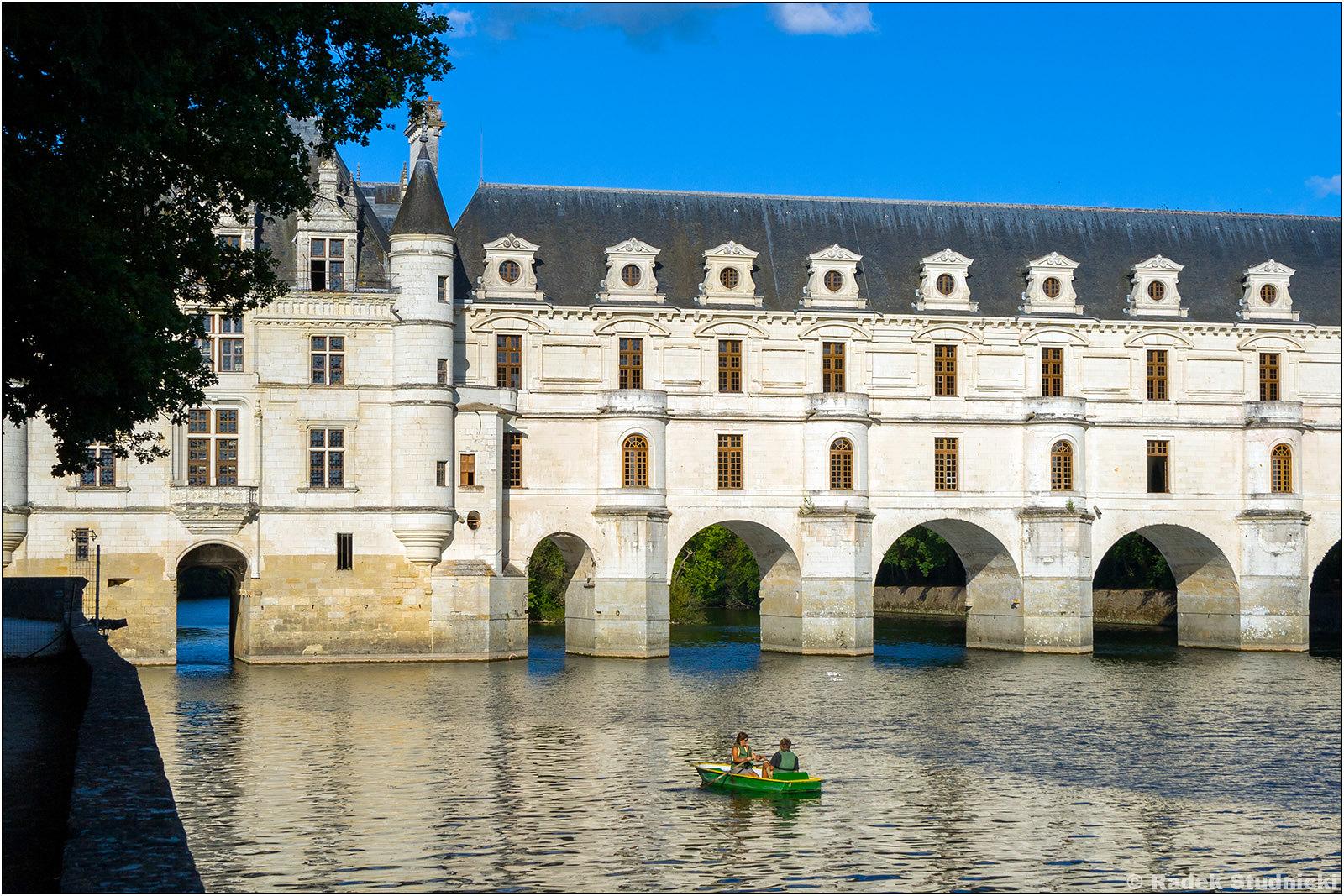Zamek Chenonceau nad rzeką Cher
