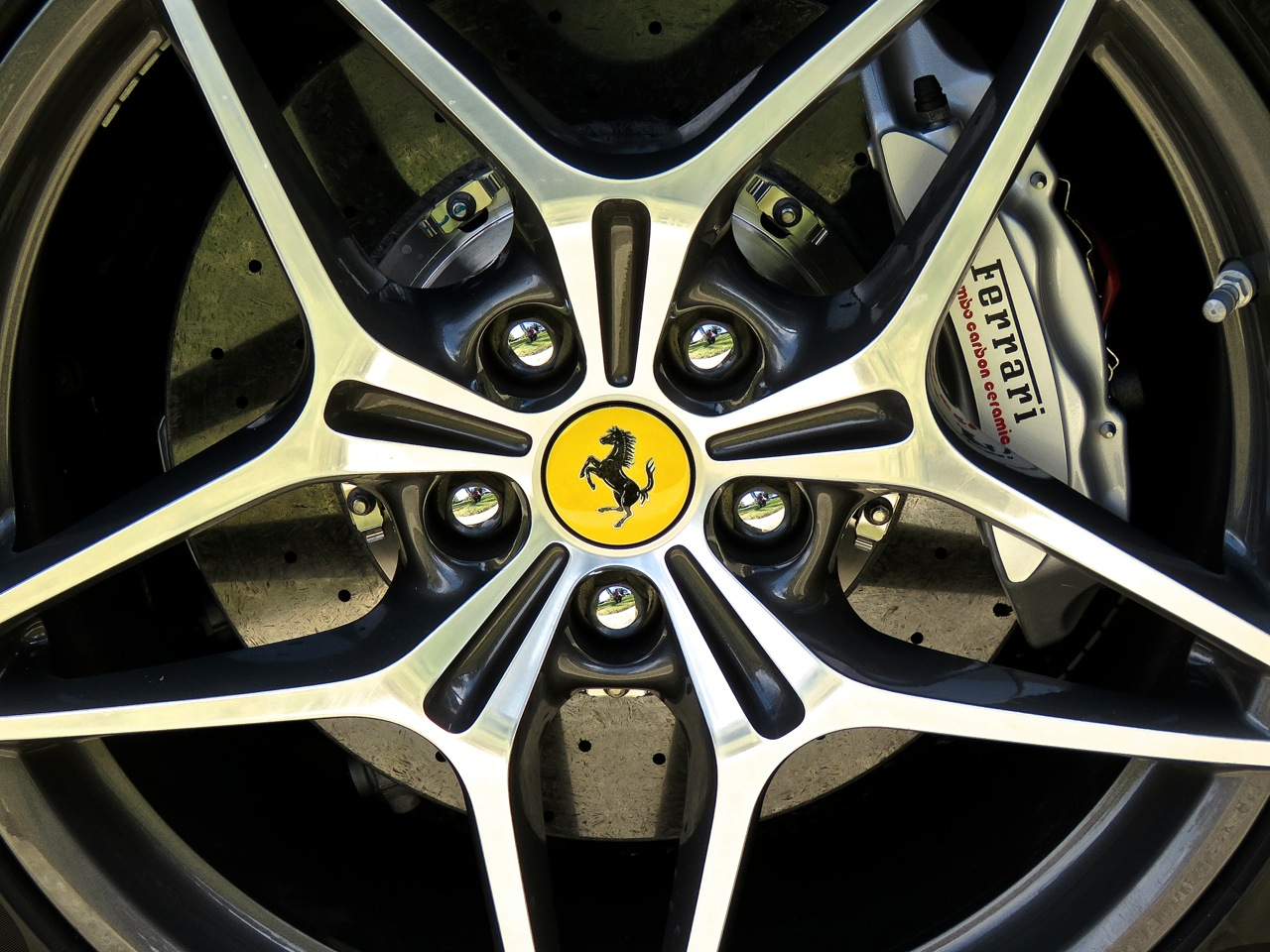 Ferrari California T Review 12