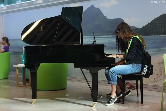 Aéroport de Plaisance : pianistes