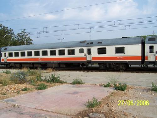 TER n° 9-444-002-0 de la RENFE en gare de Calatorao