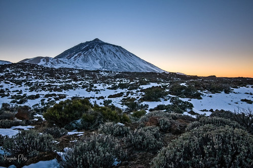 parquenacionaldelteide tenerife canarias mountain clean cielo sky paysage colors cold outside nieve snow colina rocky mountains landscapes outdoor sunrise sundown sunset teide paisaje sunshine exposure