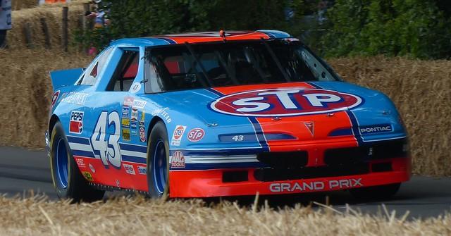 043 Pontiac Grand Prix 1992 vr
