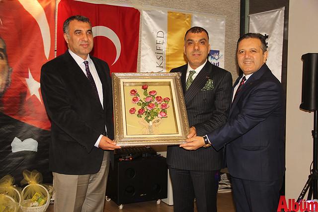 Alanya Kaymakamı Mustafa Harputlu, Türk Girişim ve İş Dünyası Konfederasyonu Başkanı Tarkan Kadooğlu, ALSİAD Yönetim Kurulu Başkanı Akın Tabaklar