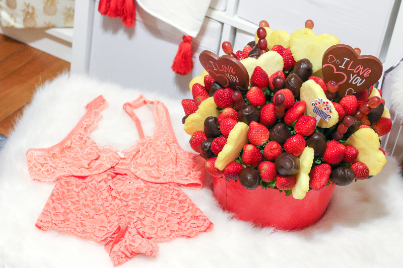 maidenform-lace-lingerie-edible-arrangements