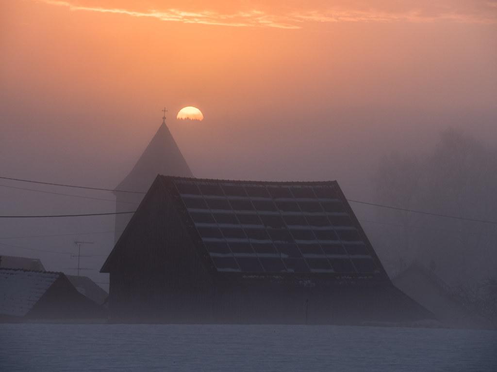 Quand le jour se lève, se lève la brume... + recadrage 25767502627_9543f68e6f_b