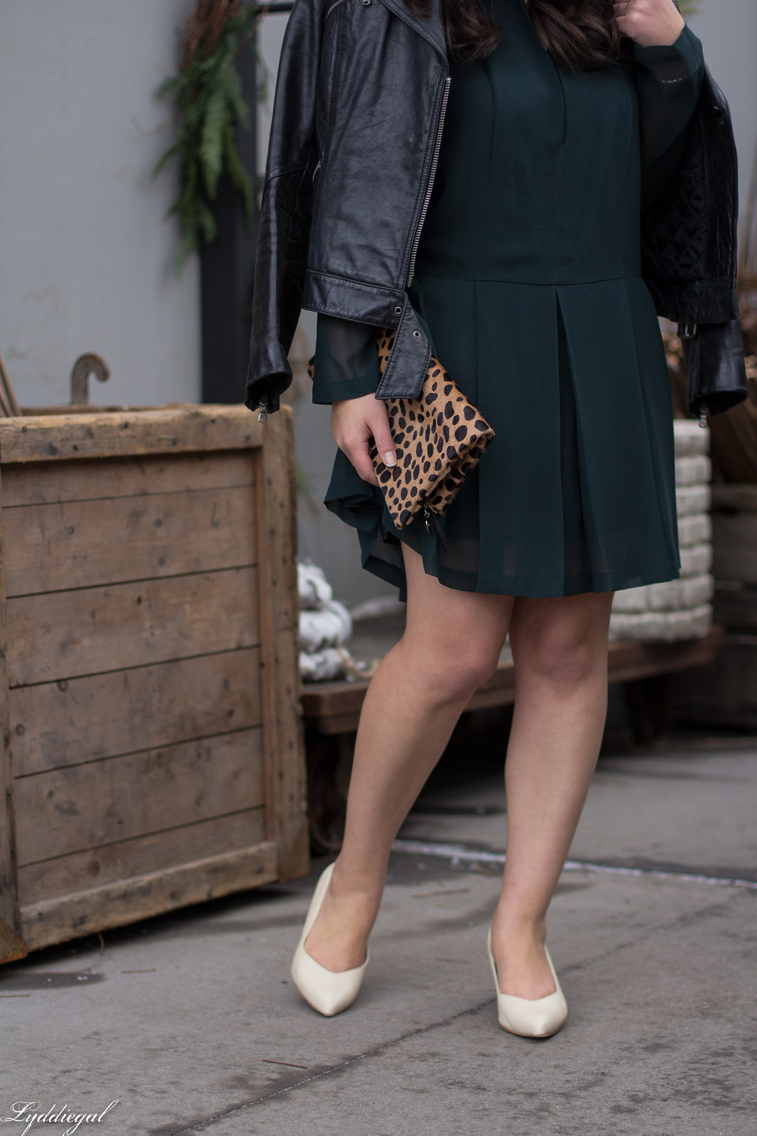 green tory burch dress, leather jacket, SAS moxie pumps, leopard clutch-21.jpg