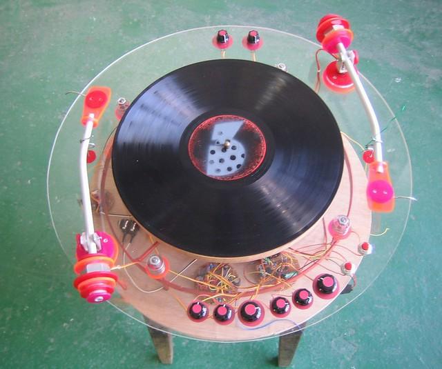 tn_dual phonograph
