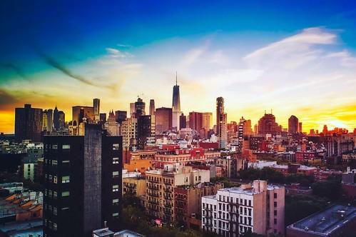 Ciudad amaneciendo
