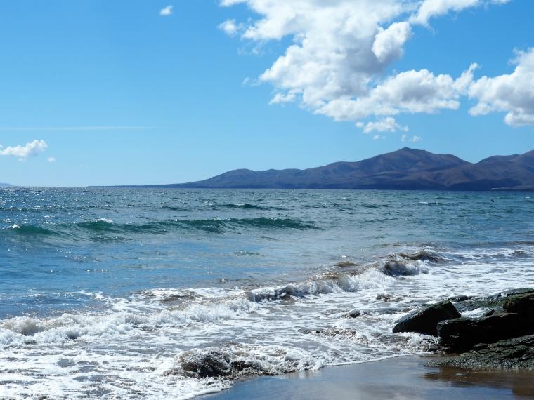 puerto del carmen beach lanzarote 4