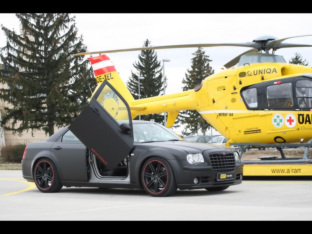 Chrysler 300C - 1/25 - AMT/ERTL 39974001801_f9f50be16d_o