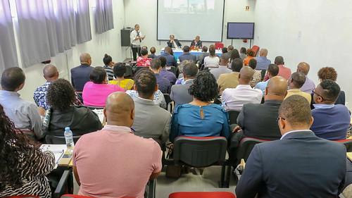 ENG debate Desafios da Governação na Atualidade e a Problemática da Participação Pública nos Processos de Decisão