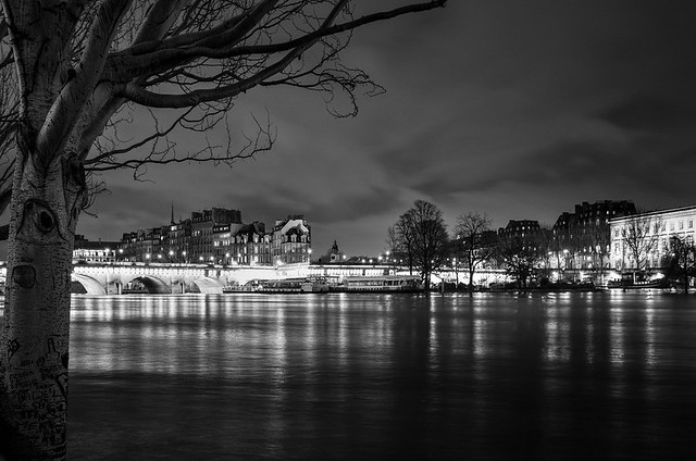 Le Pont-Neuf la nuit, Fujifilm X-Pro1, XF18mmF2 R