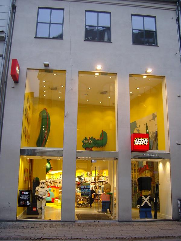 Επίσκεψη στο official Lego Store Copenhagen! 24916410167_d744ac5efc_c