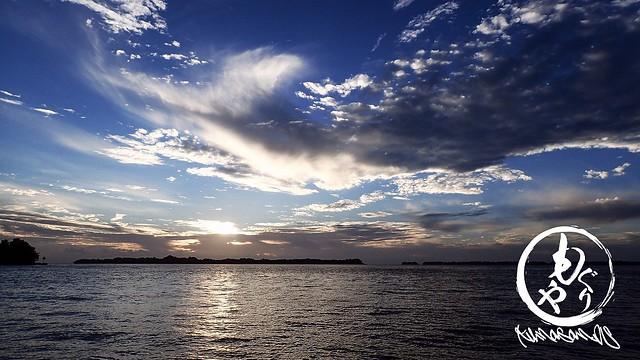早朝ダイブは船の移動中に朝日が見れます♪