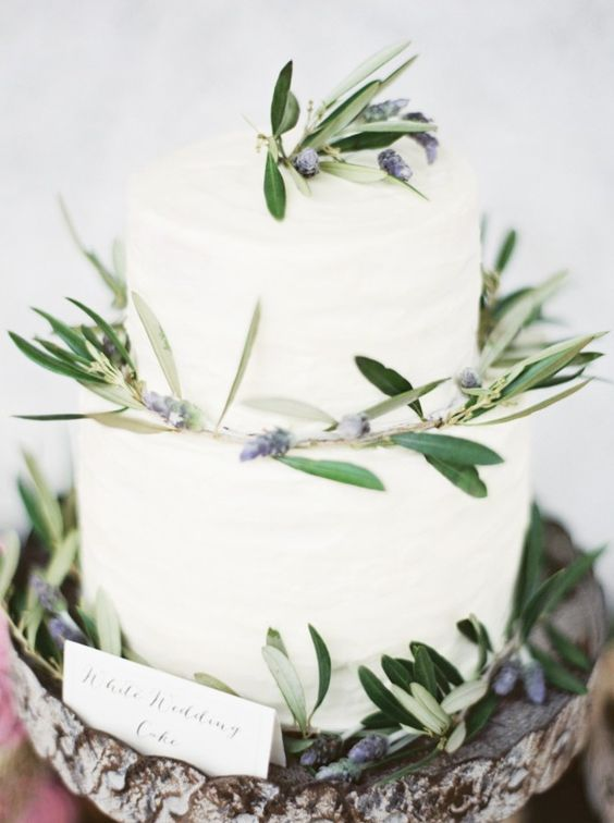 Wedding Cakes : Wedding cake idea; Featured Photographer: Erich McVey Photography