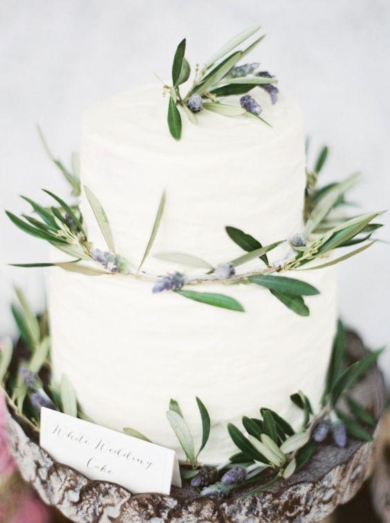 Wedding Cakes : Wedding cake idea; Featured Photographer: Erich McVey Photography