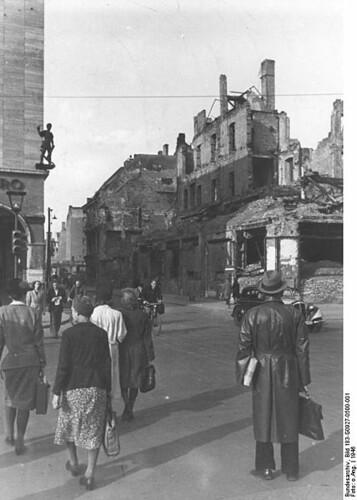 Berlino_1946_Friedrichstrasse