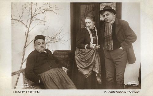 Jakob Tiedtke, Henny Porten and Emil Jannings in Kohlhiesels Töchter (1919)