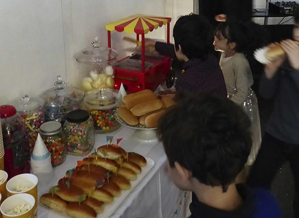 enfants affamés