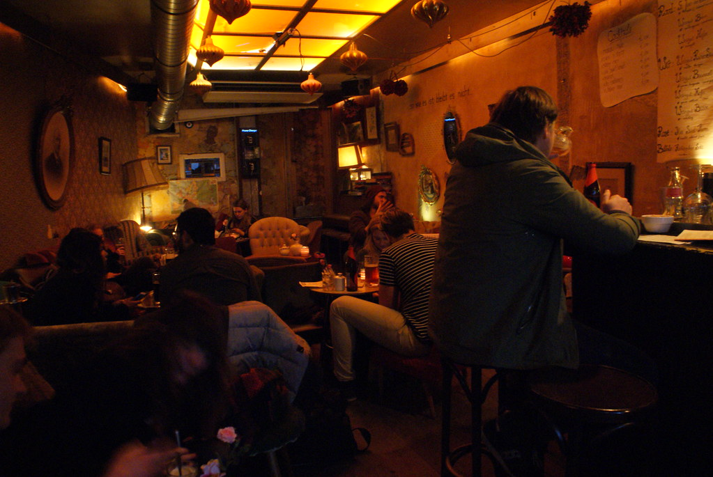 """""""Salon"""" insolite du café Brecht à Amsterdam."""