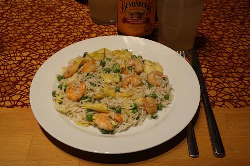 Reis mit Erbsen, Omelett und Shrimps (mein Teller)