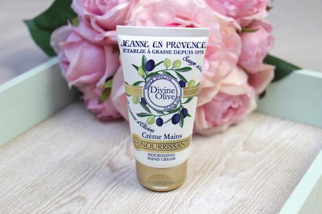 beaute-soins-cosmetiques-divine-olive-jeanne-en-provence_3