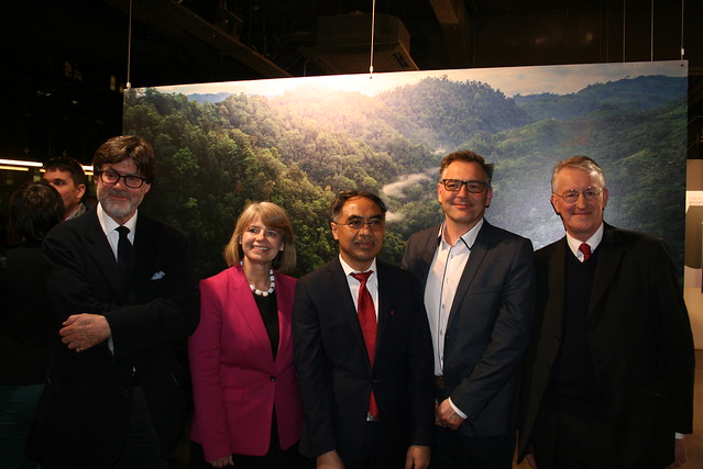 From left to right: Colin Tweedy, Harriet Baldwin MP, Adam Mulawarman Tugio, David Hopkins, Hilary Benn MP