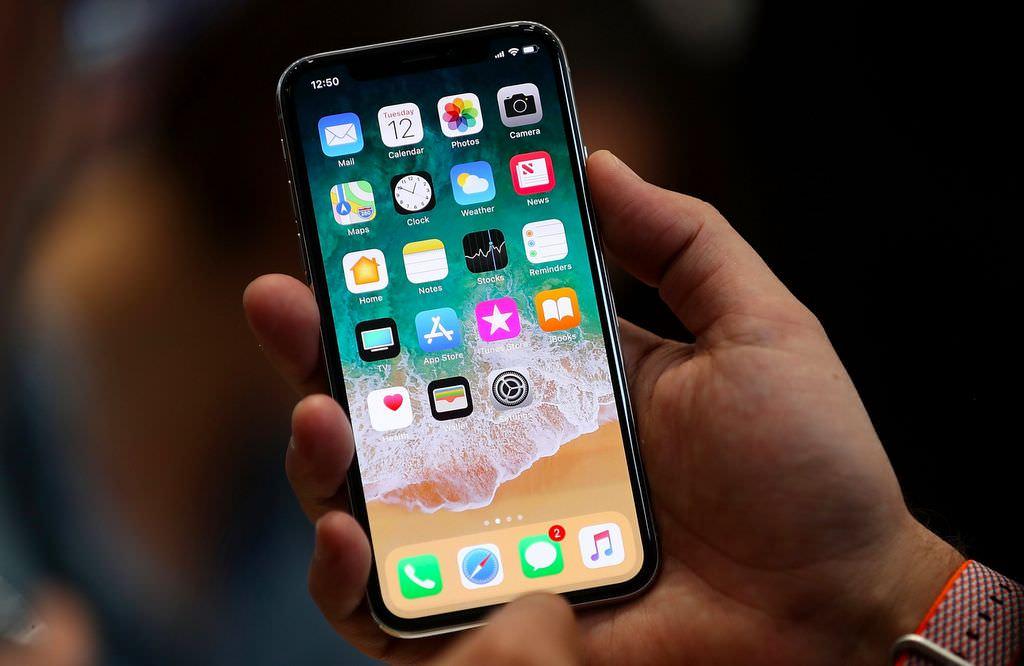 """Apple va réparer l'iPhone 7s ayant le bug de """"aucun service"""" gratuitement"""
